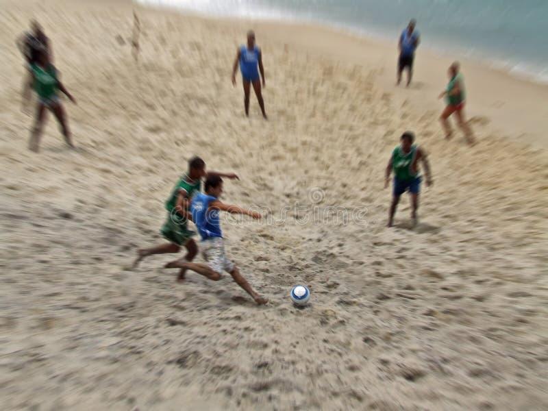 Futebol da praia foto de stock royalty free