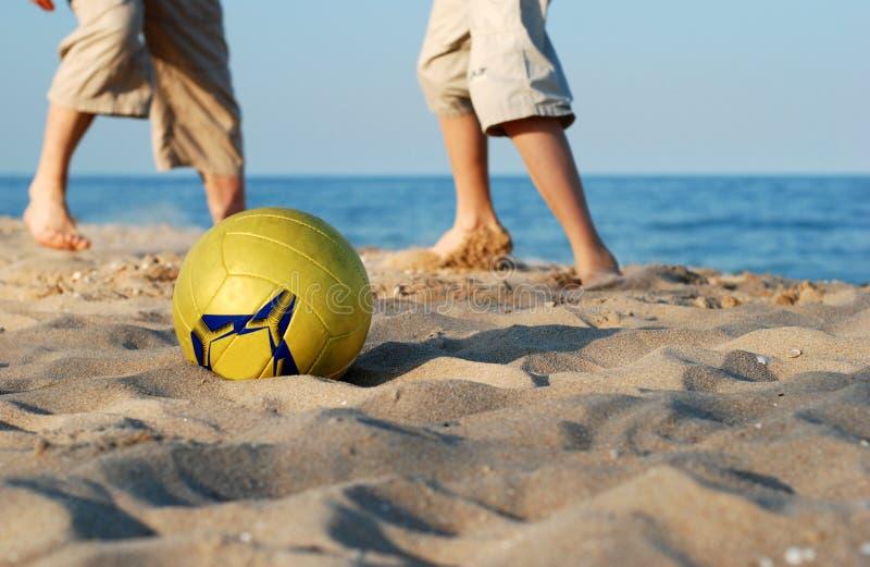 Futebol da praia fotos de stock royalty free