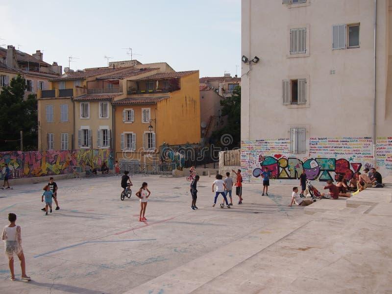 Futebol da rua de Marselha imagens de stock