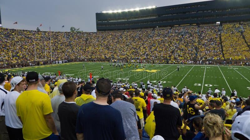 Futebol da Universidade de Michigan imagem de stock