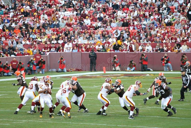 Futebol do NFL: Marrons dos Redskins v. imagens de stock royalty free