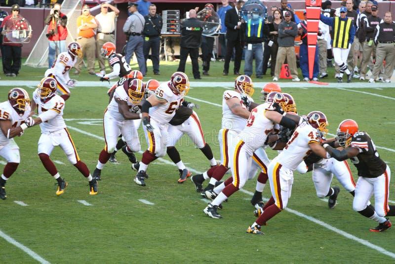 Futebol do NFL: Marrons dos Redskins v. de Washington imagens de stock
