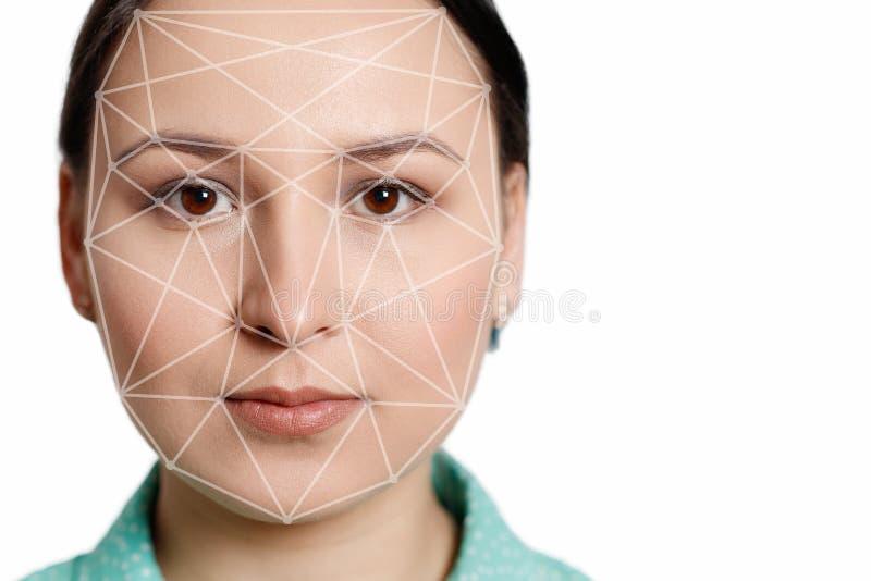 Futuristisch en technologisch aftasten van het gezicht van een mooie vrouw voor gezichtserkenning en afgetaste persoon Het kan di royalty-vrije stock afbeeldingen
