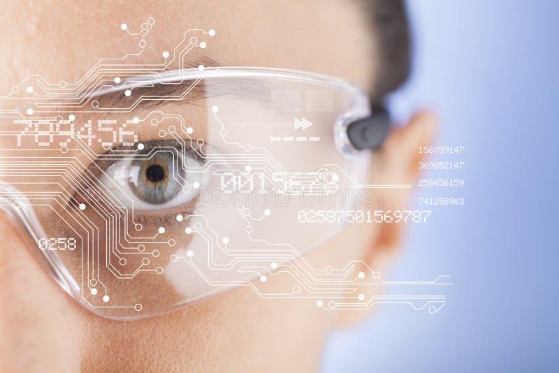 Futuristische intelligente Gläser lizenzfreie stockfotografie