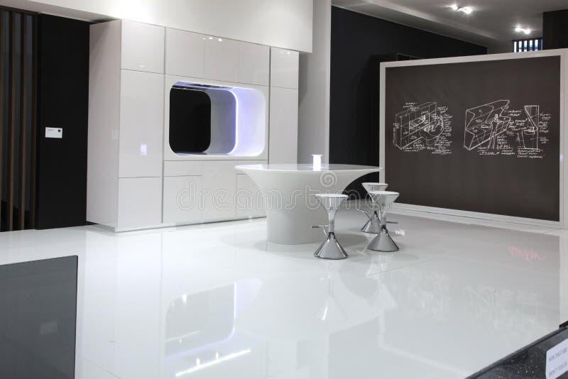 Download Futuristische Keuken In Zwart Wit Stock Foto   Afbeelding  Bestaande Uit Futuristisch, Vloer