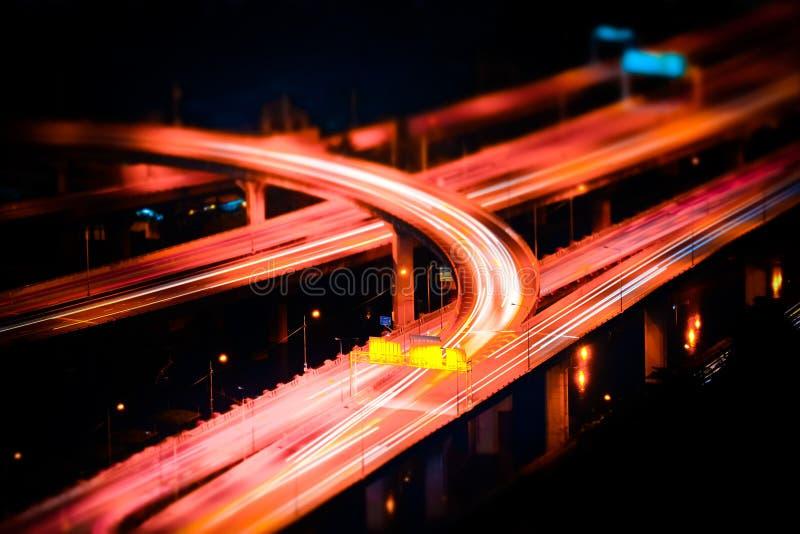 Futuristische Nachtansicht des Landstraßenaustausches Bangkok, Thailand lizenzfreies stockfoto