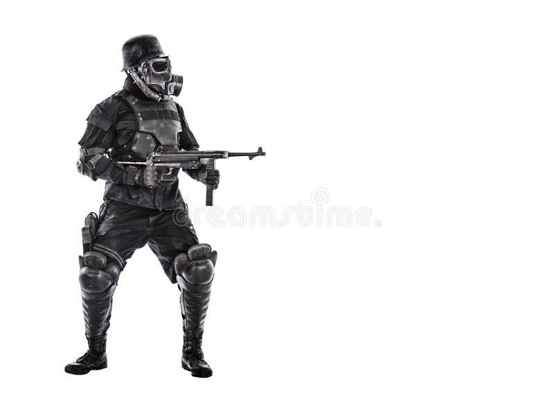 Futuristische nazi militair met schmeisser stock fotografie