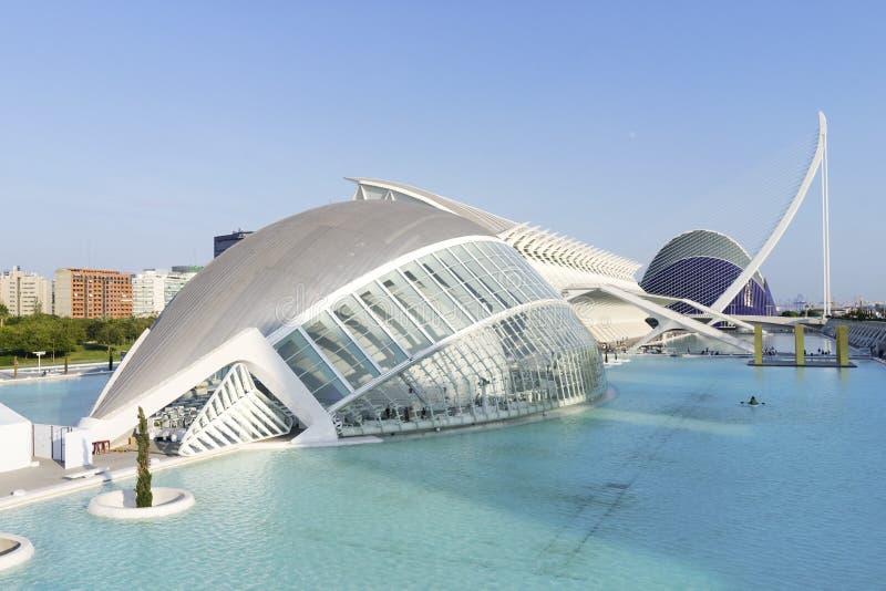 Futuristischer Gebäudepanoramablick Hemisferic in der Stadt von Künsten und von Wissenschaften, Valencia, Spanien stockbild