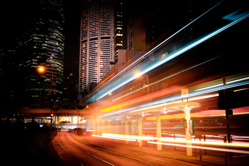 Futuristisk nattcityscapesikt Hong Kong arkivfoto