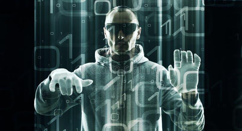 Futuristiska vrexponeringsglas i en hackerbruk arkivfoton