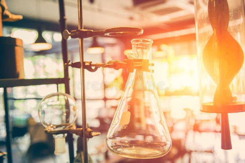 Futuro de la ciencia química y del laboratorio de investigación imagen de archivo