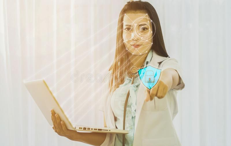 Futurystyczna cyber ochrona z twarzowym rozpoznaniem lekarka a obraz stock