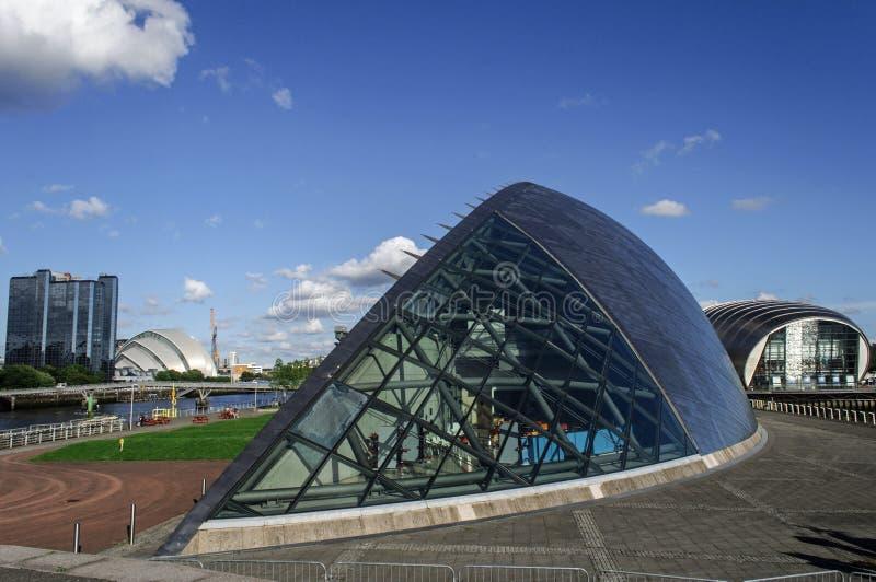 Futurystyczny budynek imax kino obraz royalty free