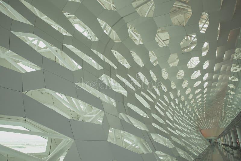 Futurystyczny wewnętrzny struktury ściany element nowożytna bionic architektura Beton i metal zdjęcia royalty free