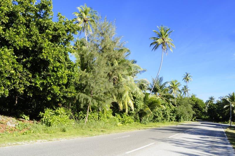 Fuvahmulah desenvolveu a estrada fotos de stock