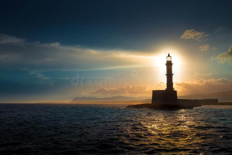 Fyr på solnedgång fotografering för bildbyråer