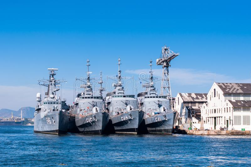 Fyra brasilianska marinkrigsskepp i rad arkivbild