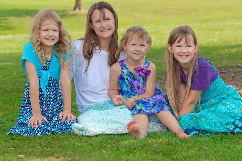 fyra flickor arkivbild