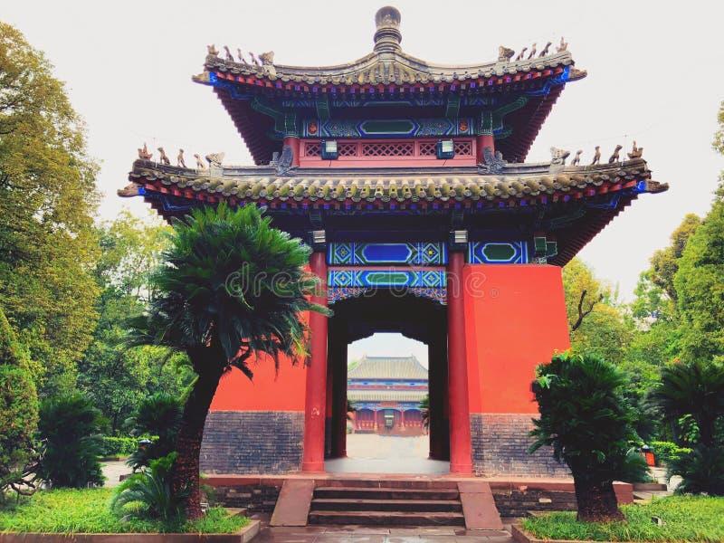 Fyra fyrkantiga paviljonger som bygger i den Wuhou relikskrin fotografering för bildbyråer