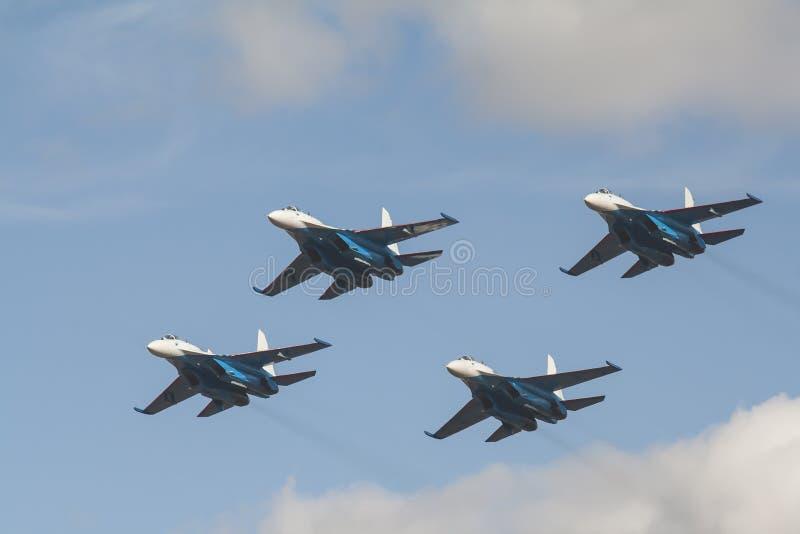 Fyra rysskämpar su-27 royaltyfri foto