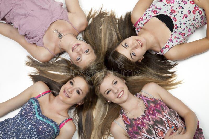 fyra teen flickor royaltyfri fotografi