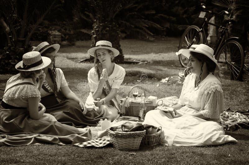 Fyra unga damer för `-Belle Epoque ` royaltyfria foton