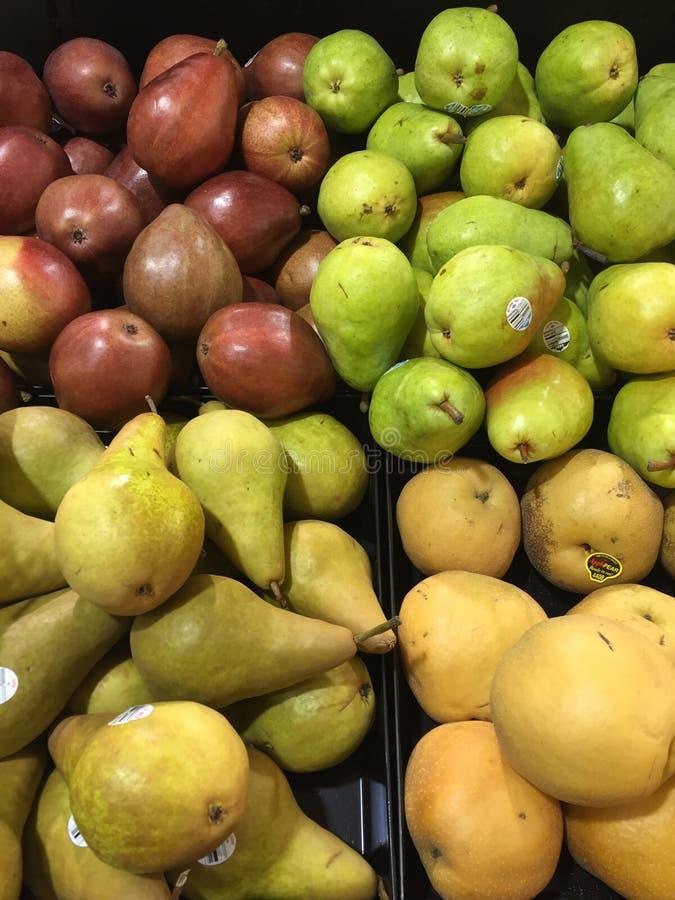 Fyra variationer av päron arkivbild