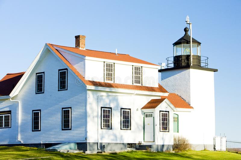 Fyrforten pekar l?tt, Stockton fj?drar, Maine, USA royaltyfria bilder