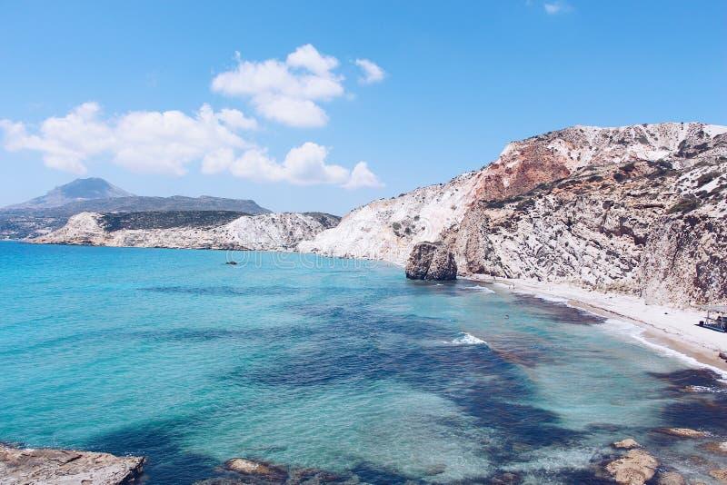 Fyriplaka Strand, Milos, Griechenland lizenzfreie stockfotos