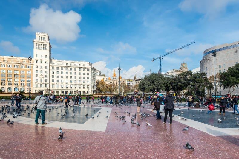 Fyrkant av Catalonia i Barcelona, Spanien fotografering för bildbyråer