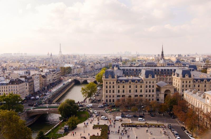 Fyrkant av Notre Dame royaltyfri foto