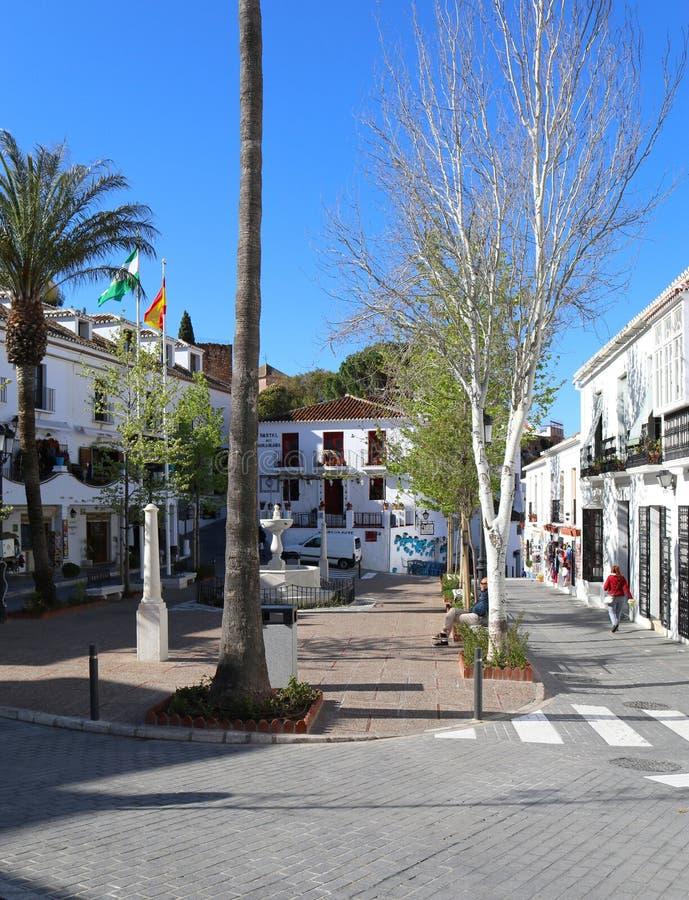 Fyrkant eller plaza i den Mijas puebloen, Malaga, Spanien royaltyfri bild
