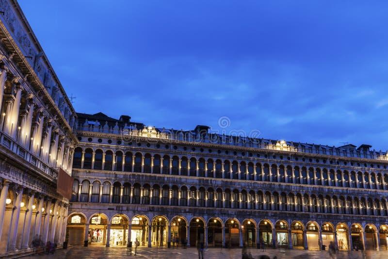 Fyrkant för St Mark ` s - piazza San Marco i Venedig arkivbilder