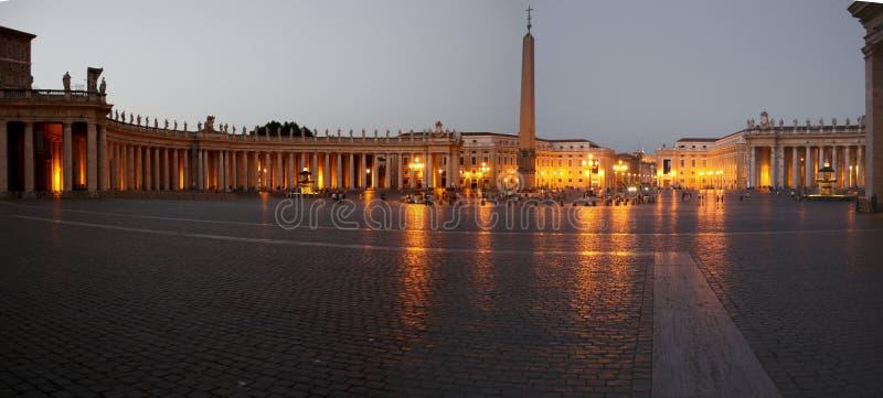 Fyrkant för St. Peters i Rome royaltyfria bilder