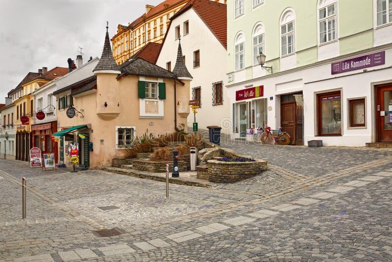 Fyrkantiga Rathausplatz i staden av Melk Lägre Österrike royaltyfria bilder