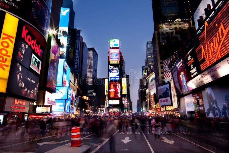 fyrkantiga tider för natt fotografering för bildbyråer