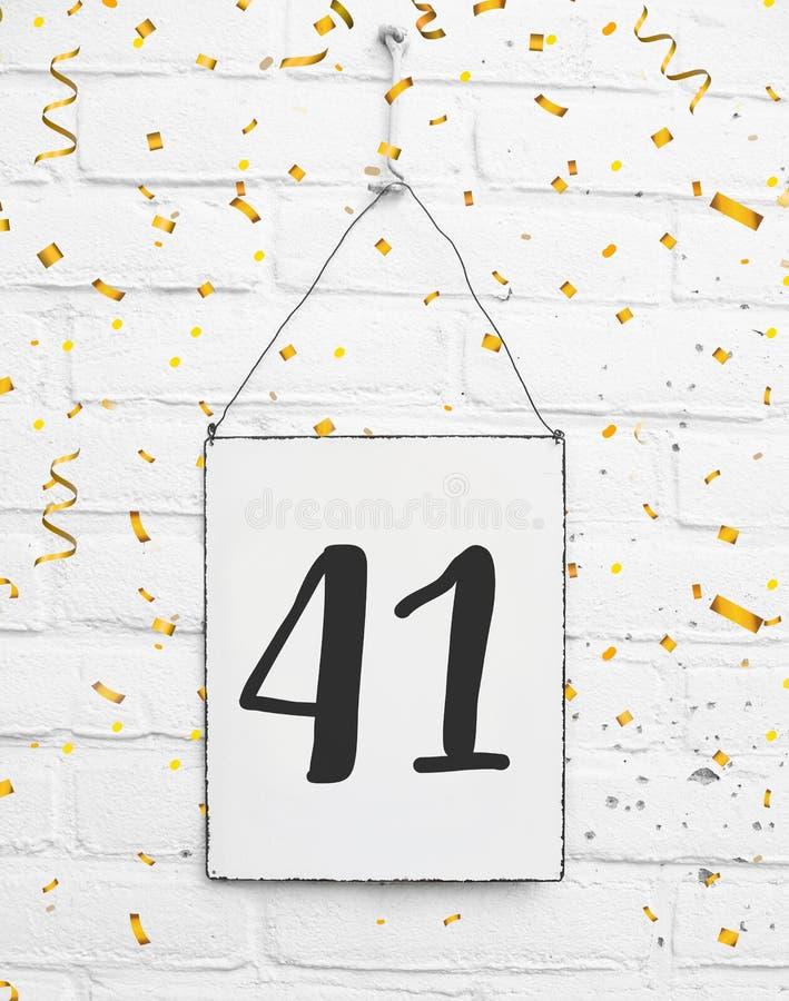 41 fyrtio en år gammal lyckönskan för födelsedagårsdagparti royaltyfri bild
