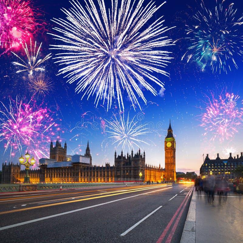 Fyrverkeri över Big Ben, London arkivfoton