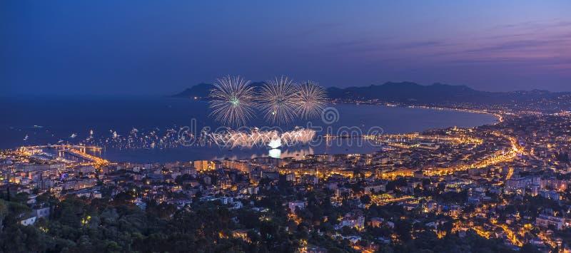 Fyrverkeri i Cannes royaltyfri fotografi