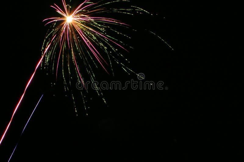 Download Fyrverkerier 1 arkivfoto. Bild av beröm, deltagare, pyrotechnics - 39330