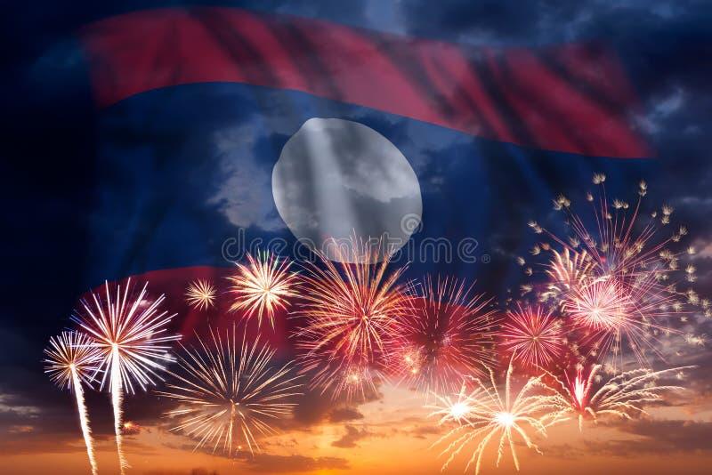 Fyrverkerier och flagga av Laos vektor illustrationer