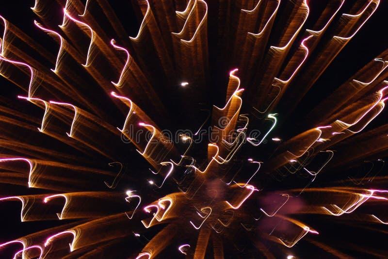 Fyrverkerier på natten royaltyfri foto