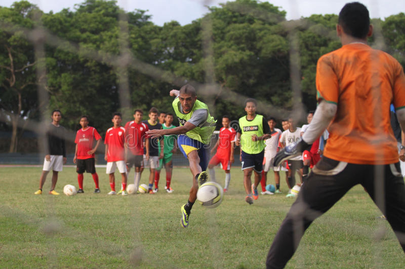 Fysisk kondition för fotbollsspelare Persis Solo fotografering för bildbyråer