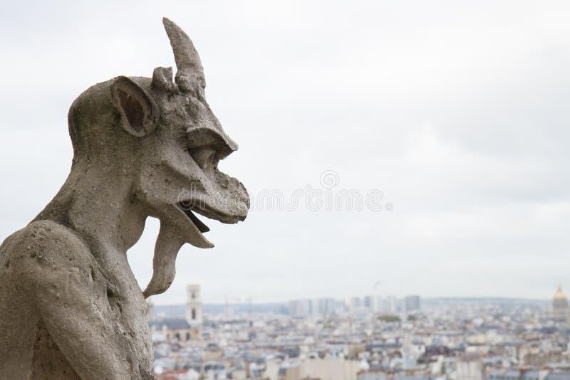 Gárgola de la iglesia de Notre Dame Cathedral imagen de archivo