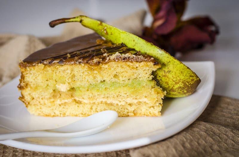 Gâteau assaisonné par poire photographie stock libre de droits