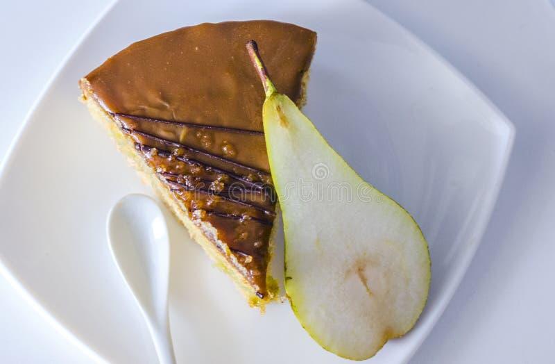 Gâteau assaisonné par poire photos stock