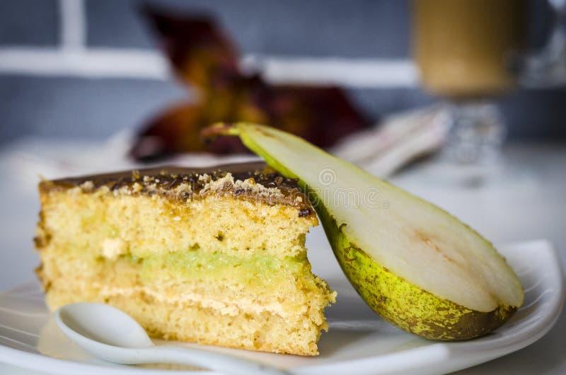 Gâteau assaisonné par poire photo stock