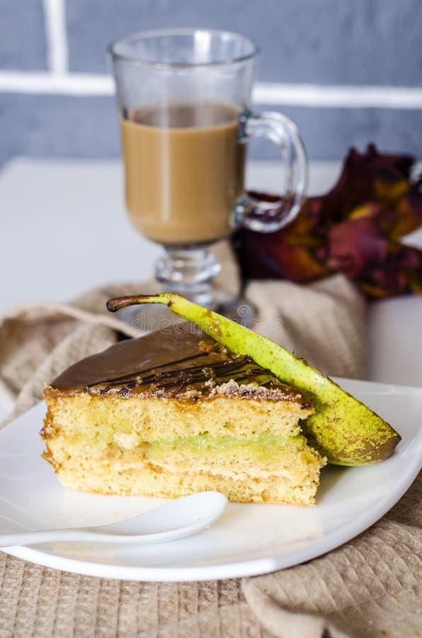 Gâteau assaisonné par poire photographie stock