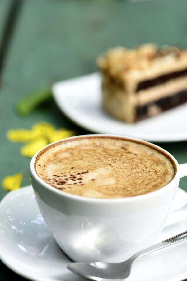 Gâteau au café chaud photographie stock
