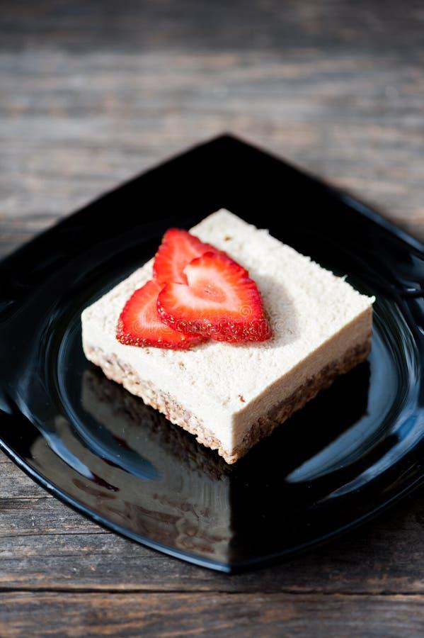 Gâteau au fromage cru de vegan photos stock